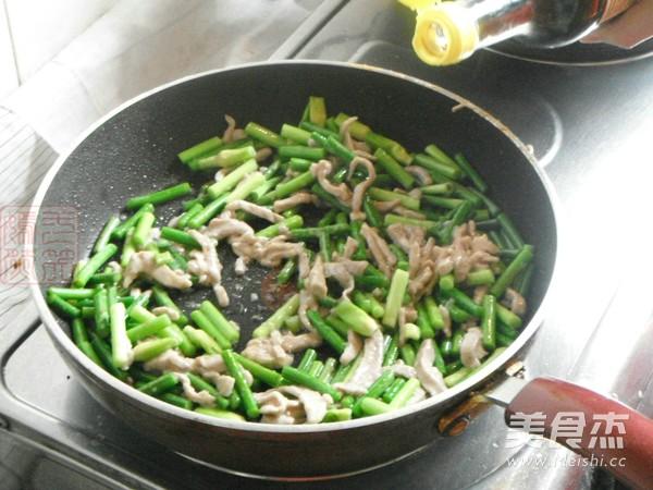 蒜苔炒肉丝怎么炒