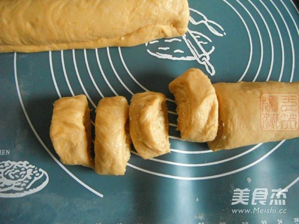 南瓜椰蓉面包卷怎么煮