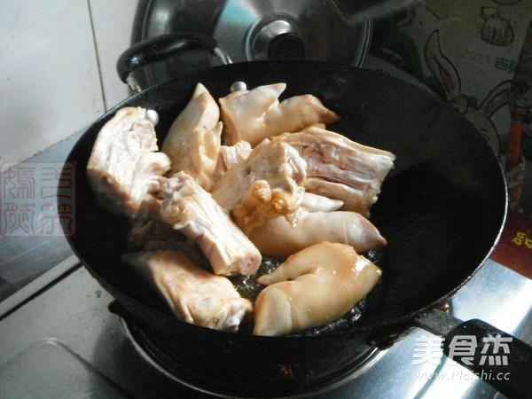 酱猪蹄的家常做法