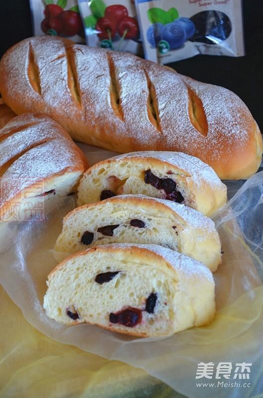 综合果干面包成品图