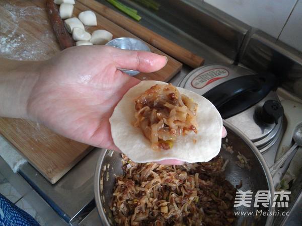 白萝卜猪肉包子的制作
