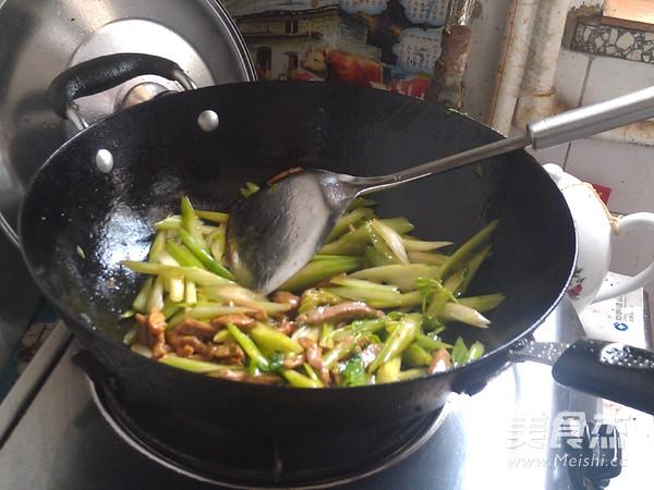 芹菜炒肉丝怎么炒