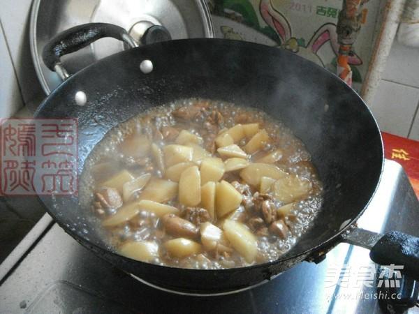 鸡腿肉炖土豆怎样做