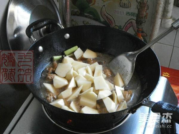 鸡腿肉炖土豆怎么炖