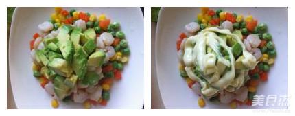 牛油果虾蔬色拉怎么做