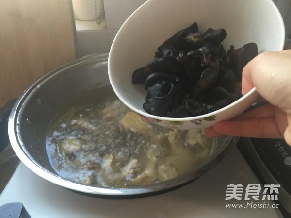 黑木耳土鸡汤怎么煮