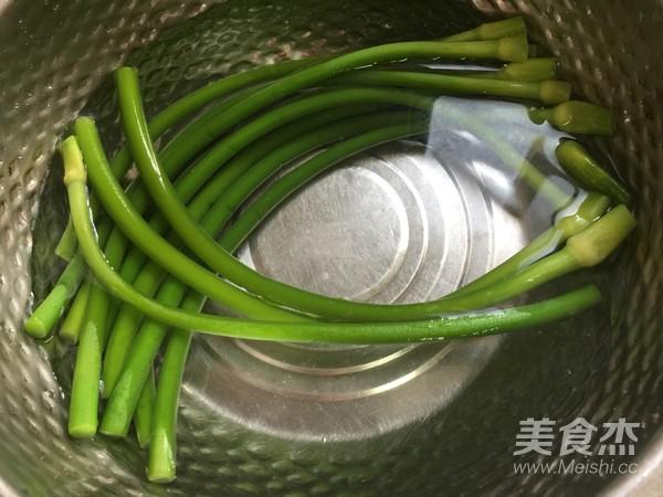 凉拌蒜苔的家常做法