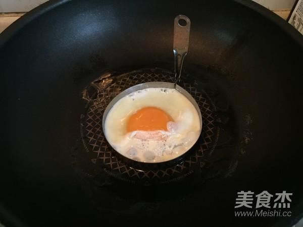 金枪鱼鸡蛋三明治怎样做