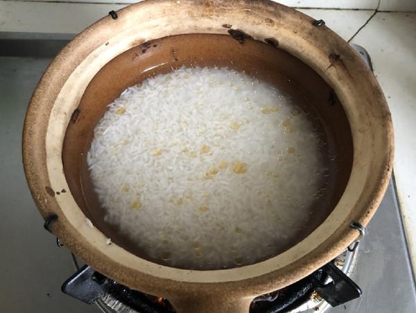 黄鳝煲仔饭的家常做法