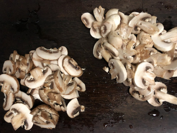 青椒炒双菇的做法图解