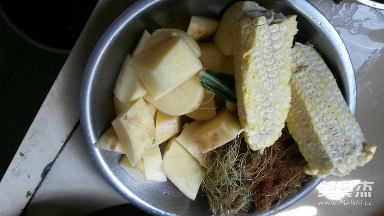番茄玉米薯子汤的做法图解