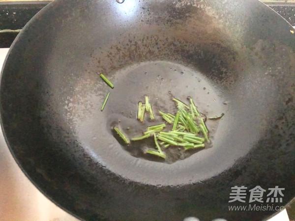 葱爆海螺丝怎么吃