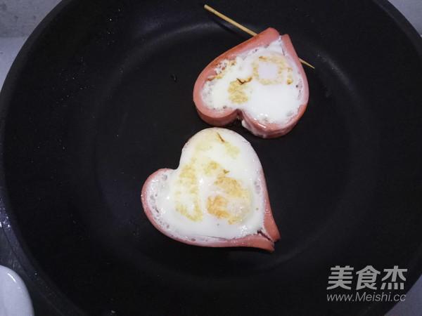 爱心火腿煎蛋怎么做