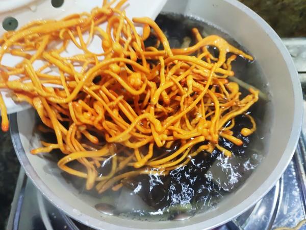 虫草花鸡血紫菜汤怎么煮