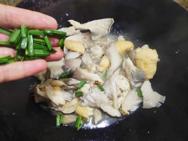 素炒平菇怎么煸