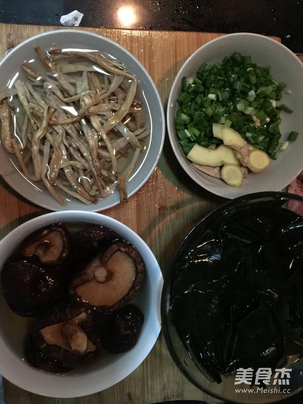 排骨海带汤怎么吃