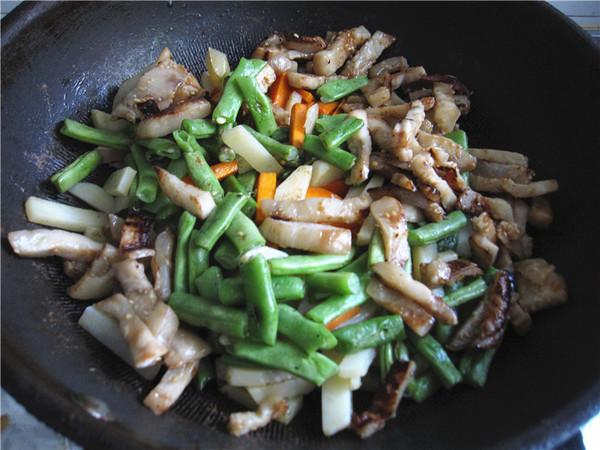 酱烧杂蔬鸭条怎样煮