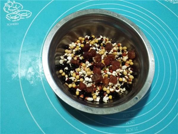 桂圆杂粮粥的做法图解