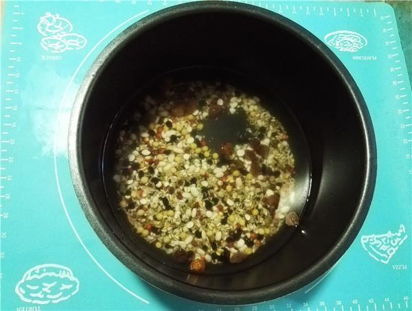 桂圆杂粮粥的简单做法
