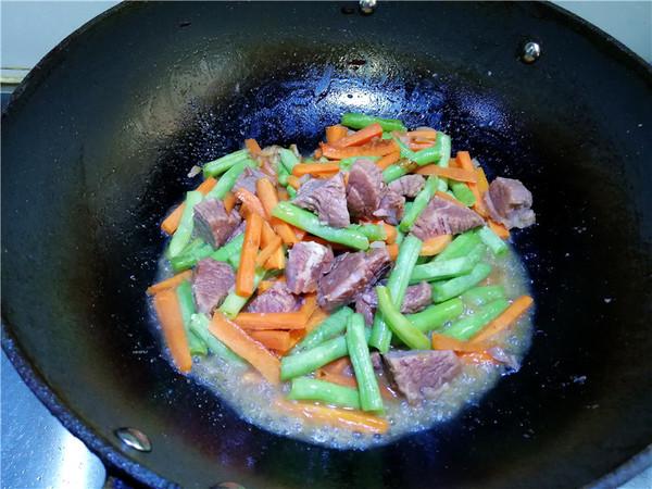 胚芽米牛肉焖饭怎么炖