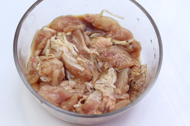 鸡腿肉炒香菇的家常做法