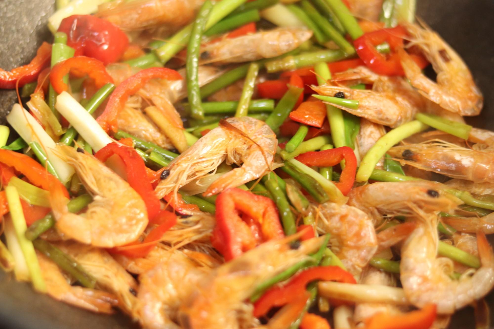 蒜苔虾怎么做