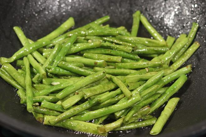 茄子烧豇豆的家常做法