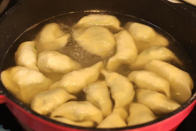 韭菜鸡蛋虾皮饺子怎么煮