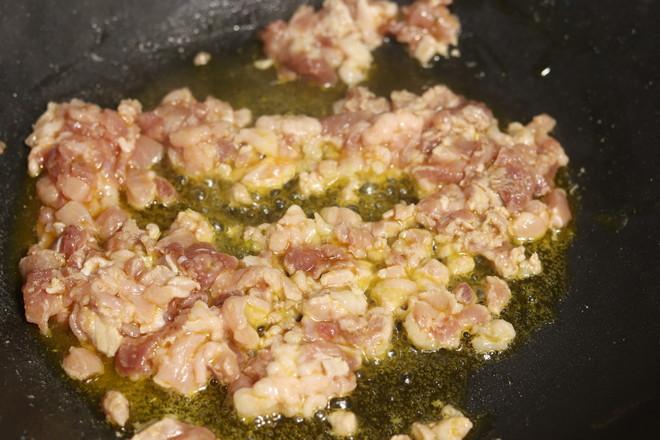 杏鲍菇木耳炒肉片的家常做法