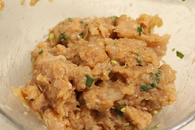 鸡肉丸鸡蛋紫菜汤的家常做法