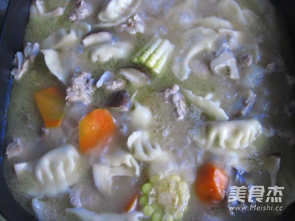 排骨饺子火锅的制作方法