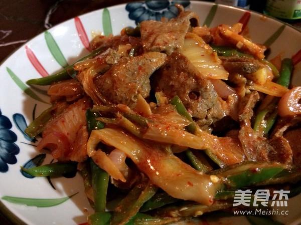 辣白菜青椒炒猪肝的简单做法