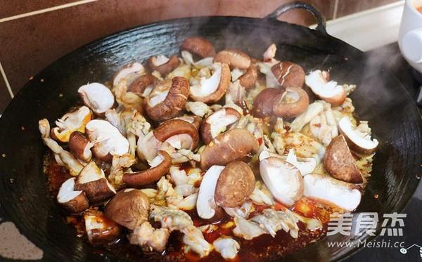 四川水煮美蛙的简单做法