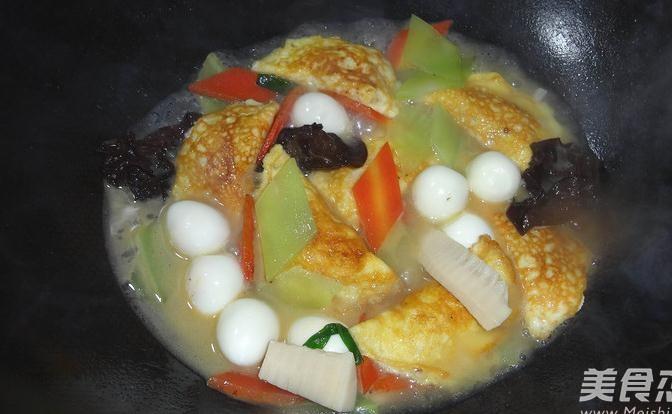 烧松茸蛋饺怎么做