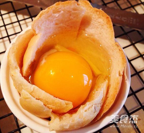 吐司鸡蛋杯的家常做法