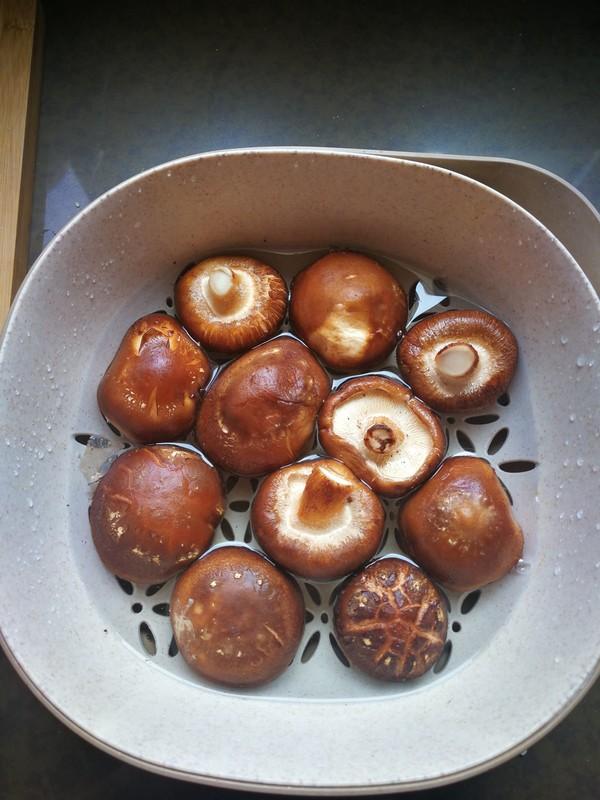 香菇滑鸡的家常做法