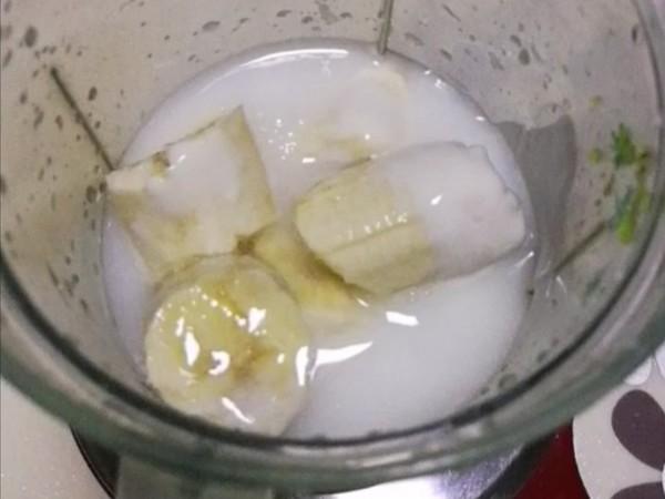 香蕉牛油果奶昔的简单做法