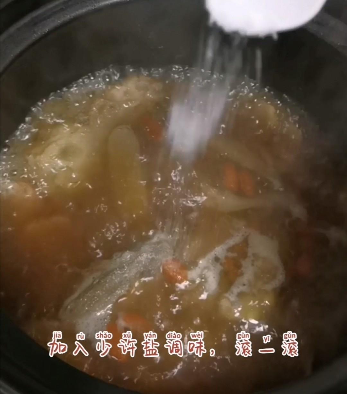 沙参玉竹乳鸽汤怎么煮