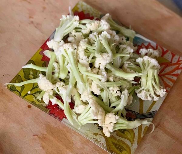 干锅腊肉炒菜花的家常做法
