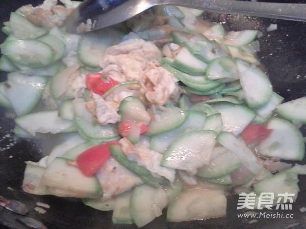 西葫芦炒鸡蛋的简单做法