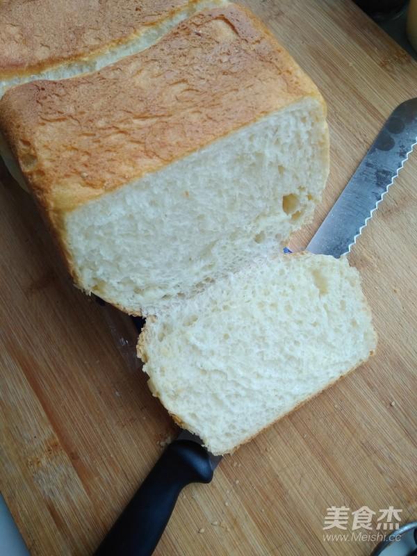 经典白吐司--另附:奶酪火腿吐司组合的制作