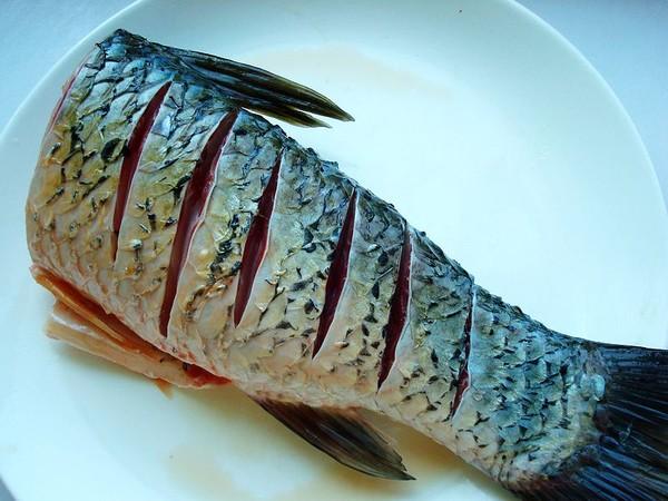 蒸草鱼的家常做法