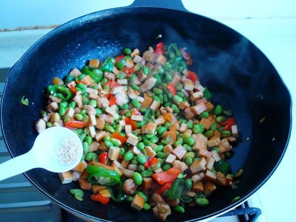 毛豆香干炒肉丁怎样做