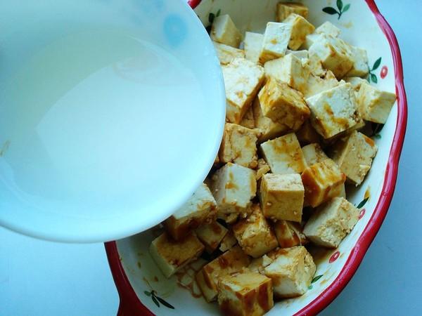 老干妈火腿蒸豆腐怎么吃