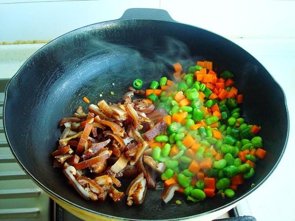 毛豆胡萝卜炒肉皮怎么炒