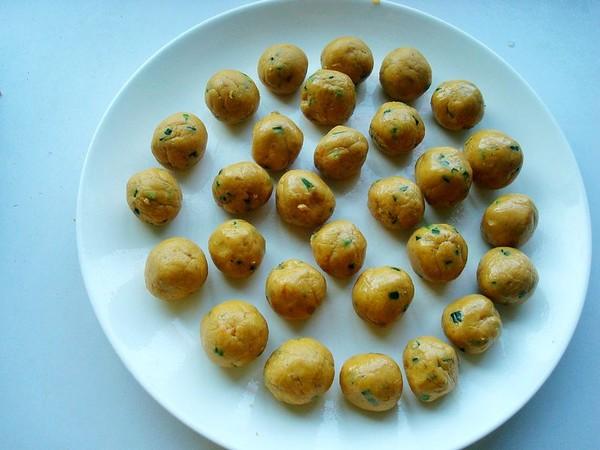 炸鸡蛋红薯丸子怎样煸