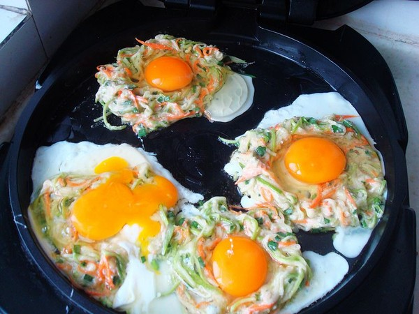 西葫芦煎鸡蛋怎么炒