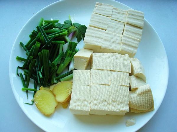 豆腐炖鱼头的家常做法