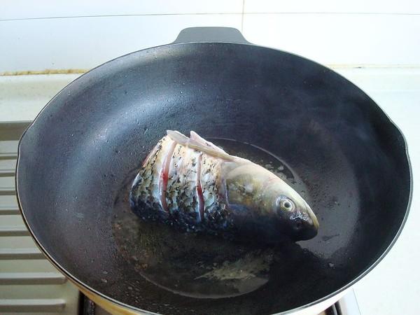 豆腐炖鱼头的简单做法