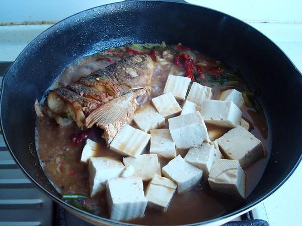 豆腐炖鱼头怎么炖